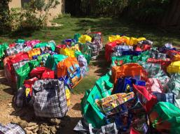 bags-of-food-in-lagonave