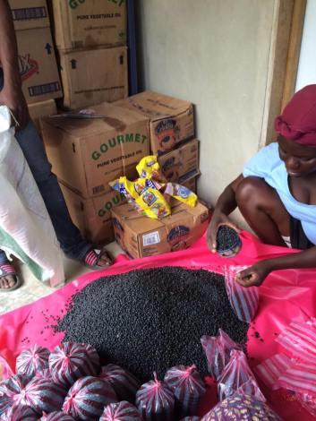 food-distribution-in-haiti